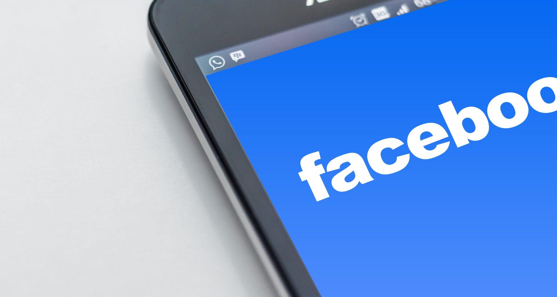 Facebook, dall'autunno un servizio a pagamento per le news