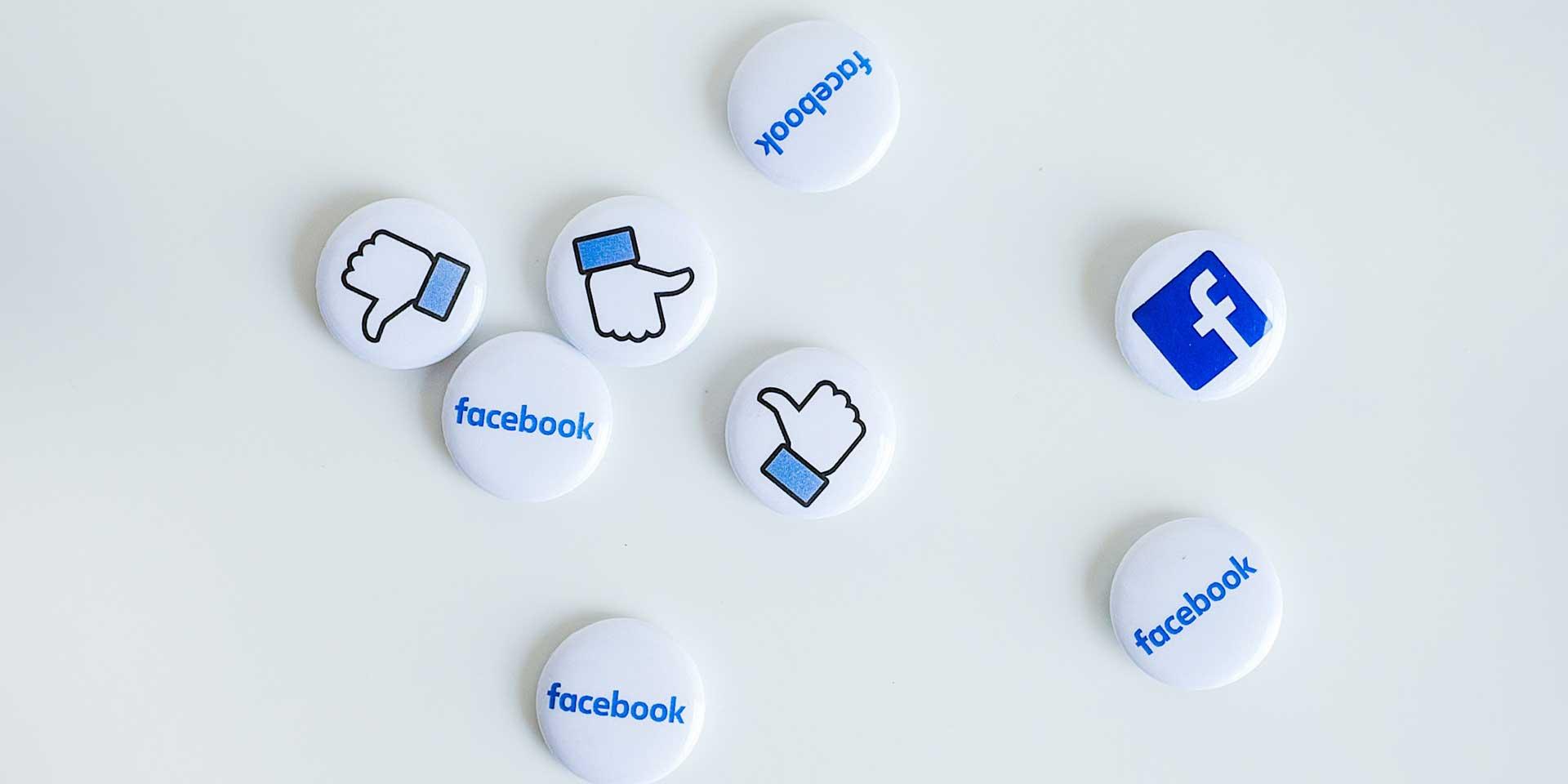 """23 agosto. Facebook """"in bomba"""""""